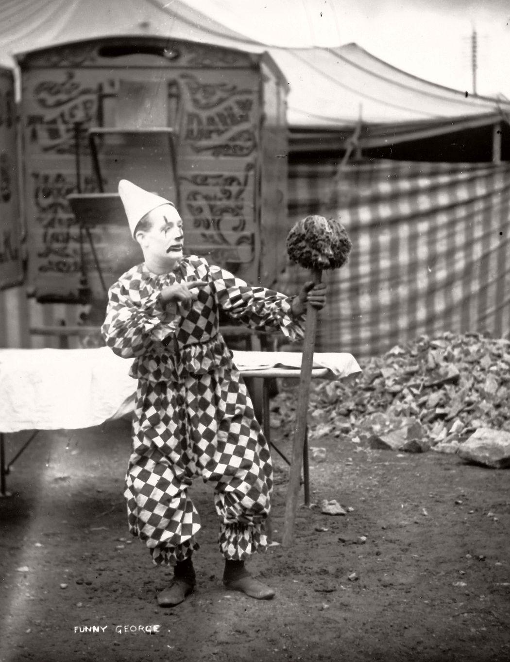 vintage-circus-performers-in-strabane-1910-1911-11