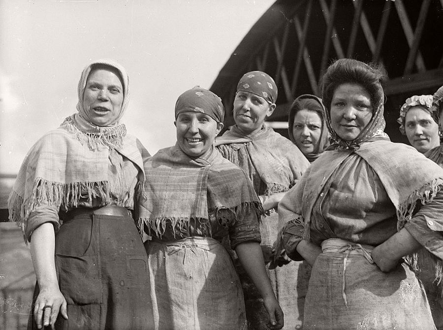 vintage-women-at-work-during-first-world-war-04
