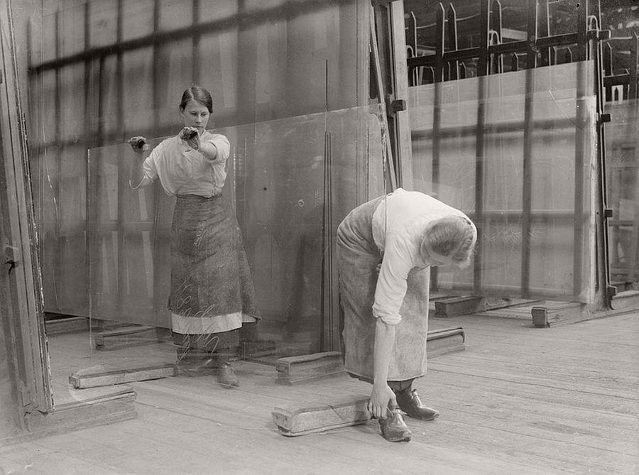 vintage-women-at-work-during-first-world-war-10