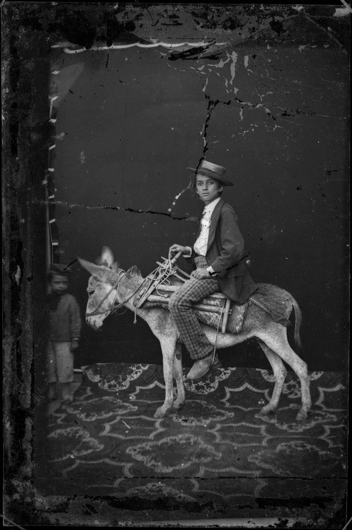 the-marubi-dynasty-a-hundred-years-of-albanian-studio-photography-05