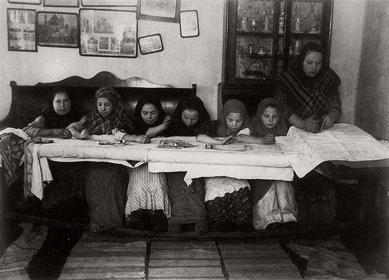 vintage-russian-peasants-and-their-craft-jobs-early-20th-century-02