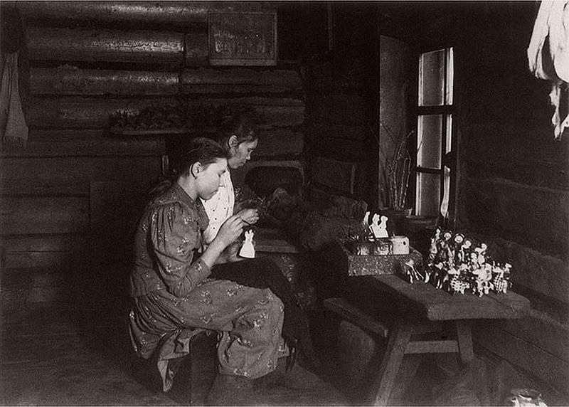 vintage-russian-peasants-and-their-craft-jobs-early-20th-century-04