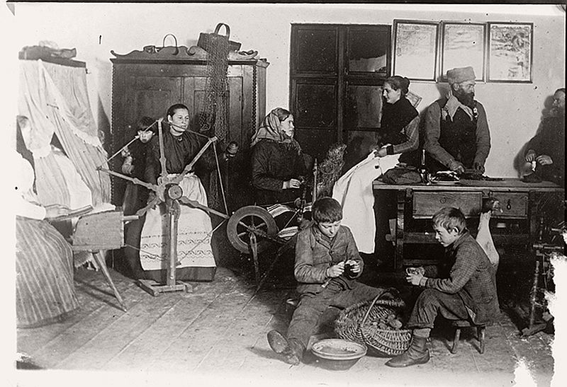 vintage-russian-peasants-and-their-craft-jobs-early-20th-century-07