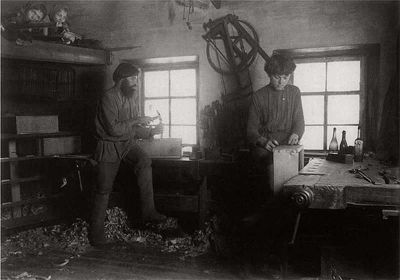 vintage-russian-peasants-and-their-craft-jobs-early-20th-century-13