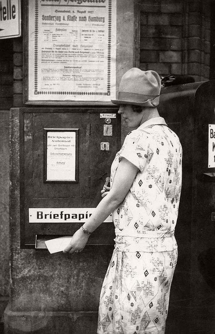 vintage-the-golden-twenties-in-berlin-1920s-06