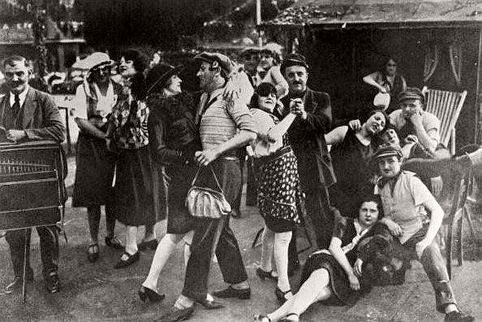 vintage-the-golden-twenties-in-berlin-1920s-12