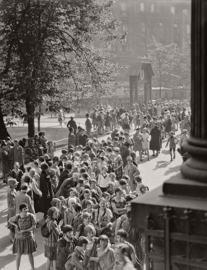 vintage-the-golden-twenties-in-berlin-1920s-18