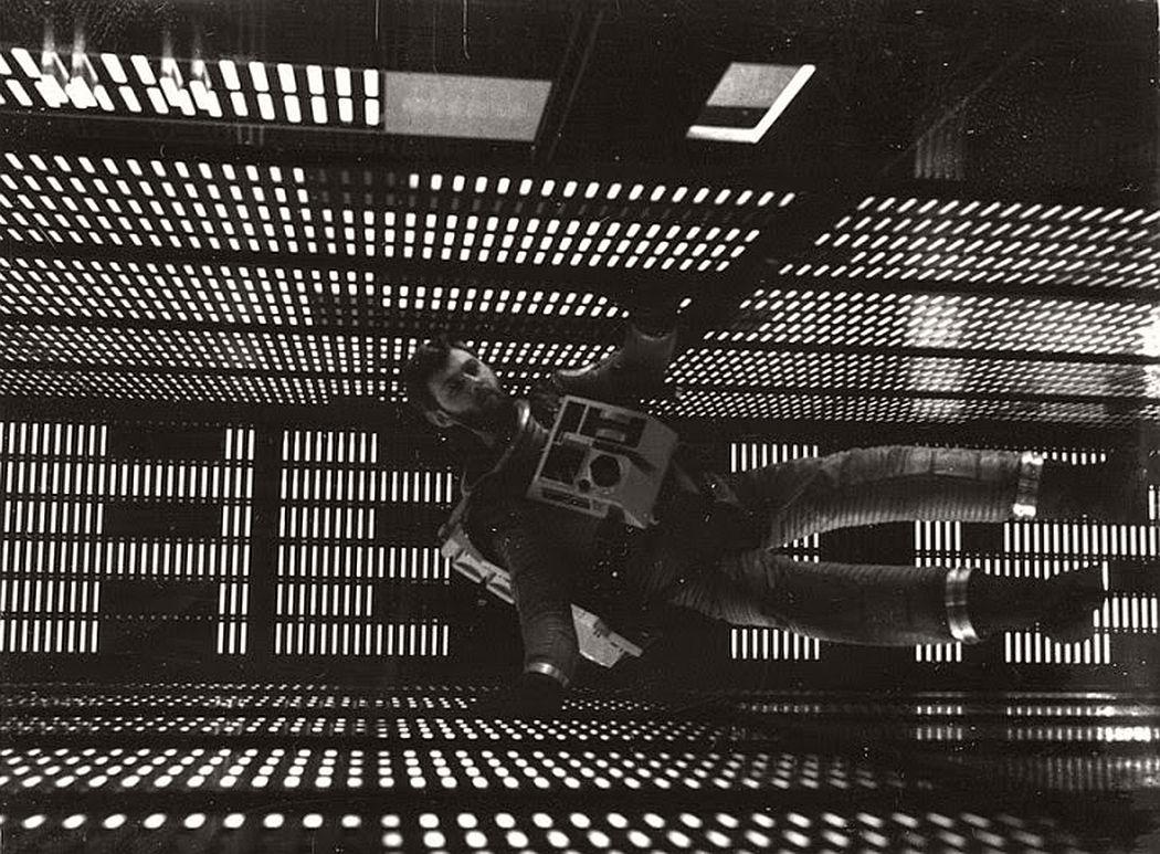2001-a-space-odyssey-1968-vintage-behind-the-scenes-10