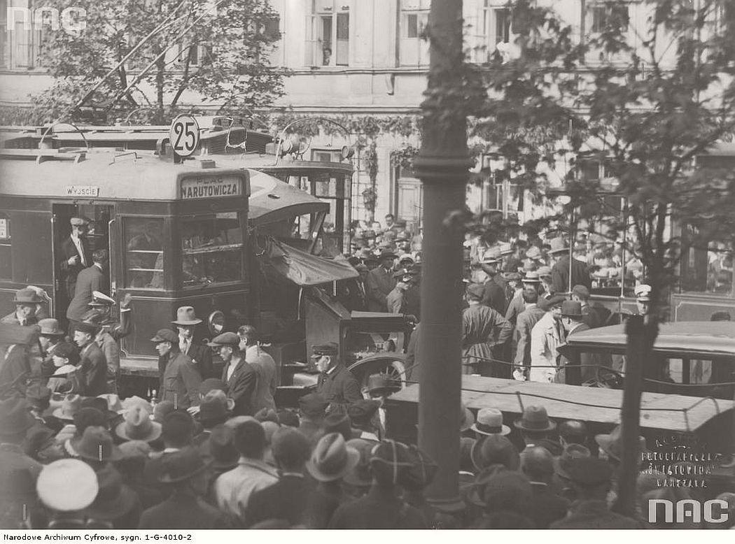 accident-near-krakowskie-przedmiescie-street-in-warsaw-1931