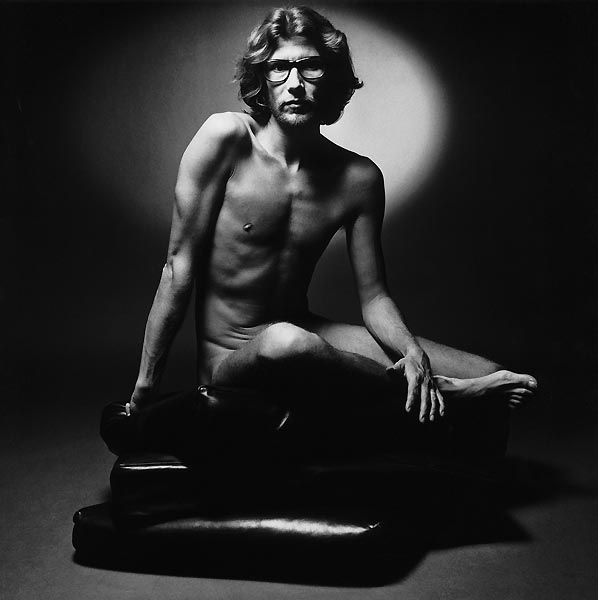 jeanloup-sieff-yves-saint-laurent-poses-for-his-perfumes-ad-campaign-paris-1971-the-estate-of-jeanloup-sieff