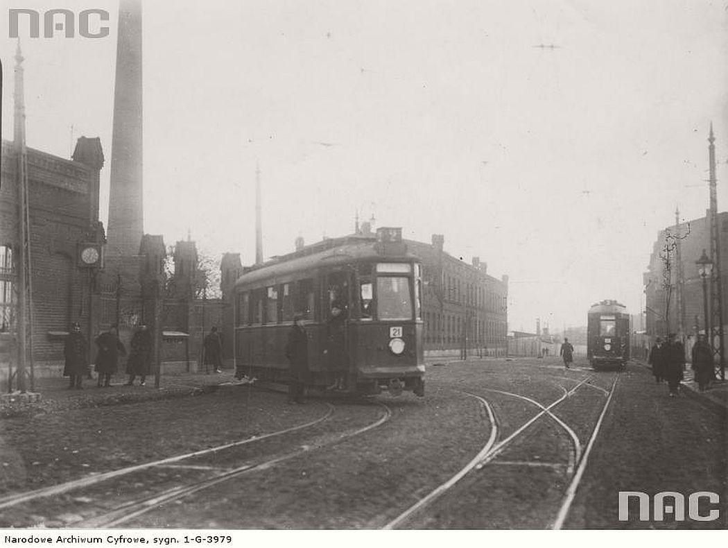 leaving-the-depot-near-tramwajowa-street-in-lodz-1930s