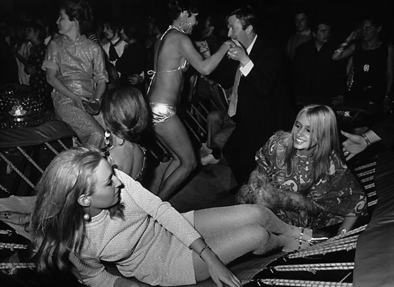 ron-galella-trampoline-opening-of-new-happening-discotheque-the-gymnasium-nico-from-velvet-underground-and-another-blonde-lying-on-a-trampoline-new-york-13-04-1967-ron-galella-ltd