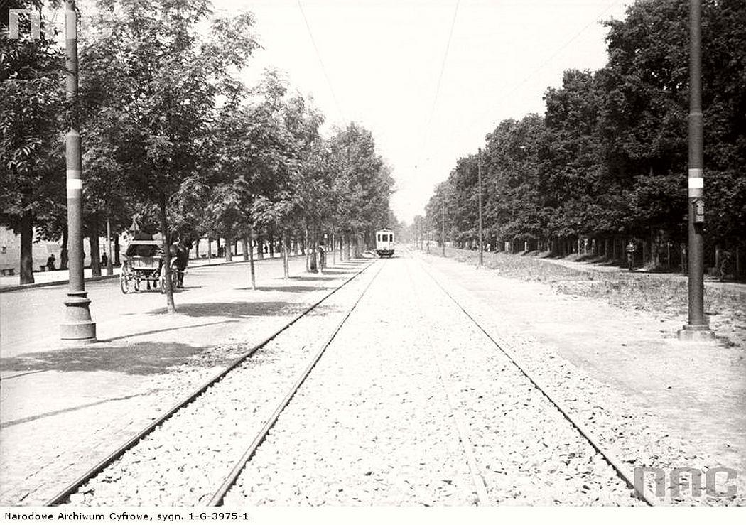 the-new-tram-line-near-al-3-maja-in-krakow-1938