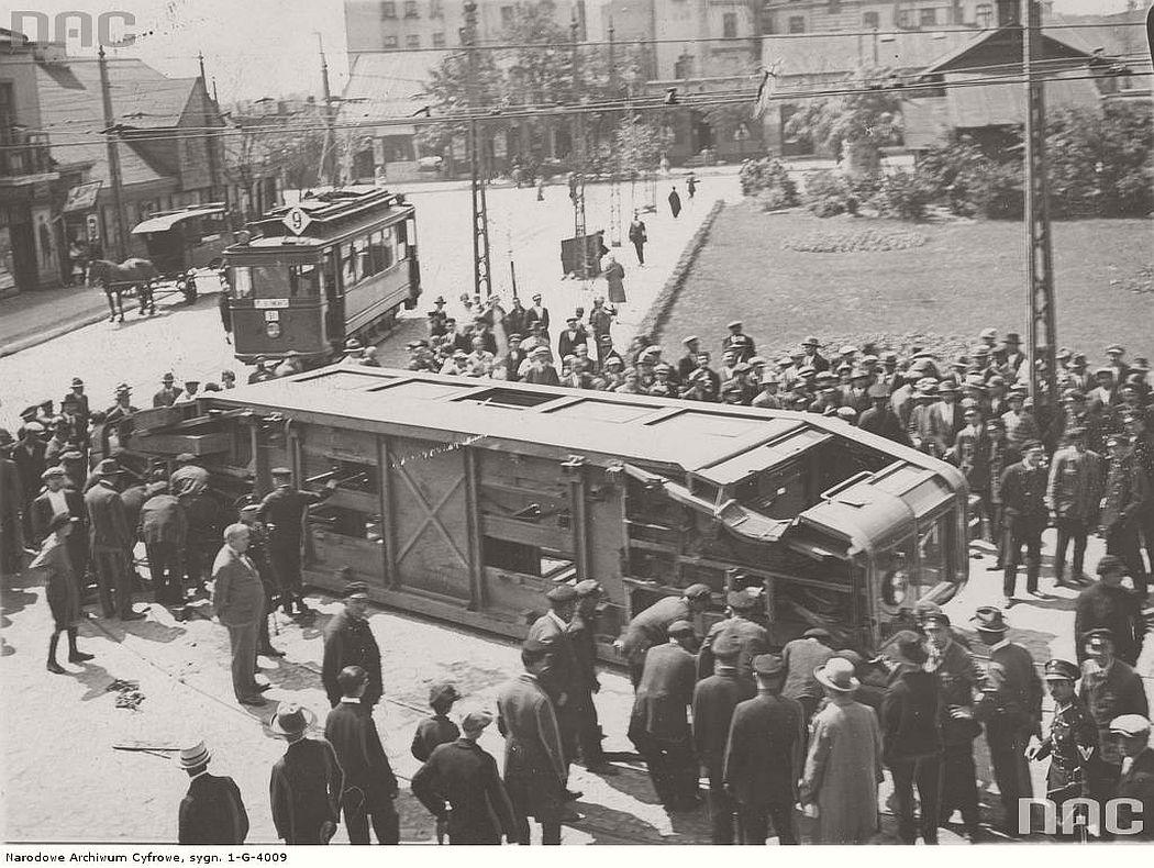 tram-accident-near-reymonta-place-in-lodz-1929