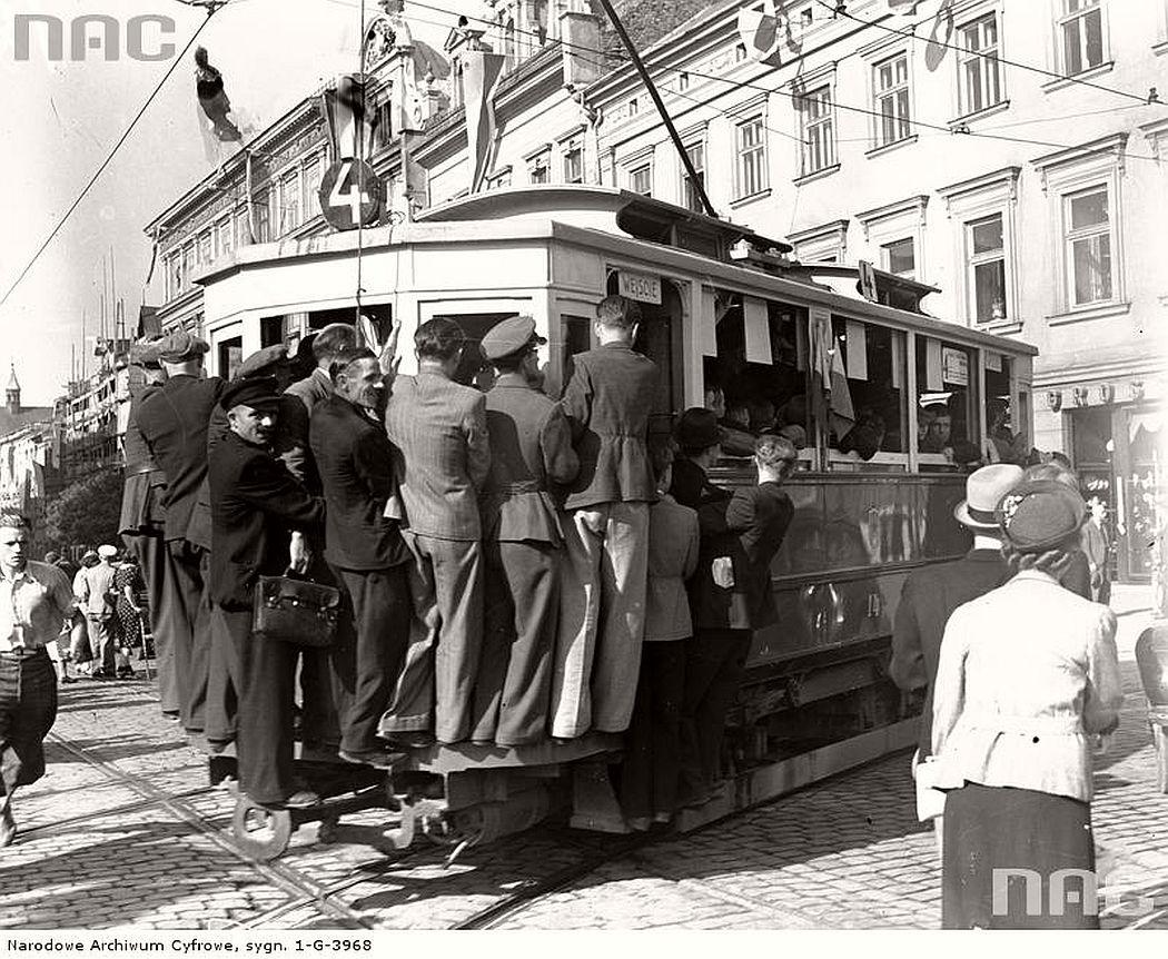 trams-in-krakow-1934