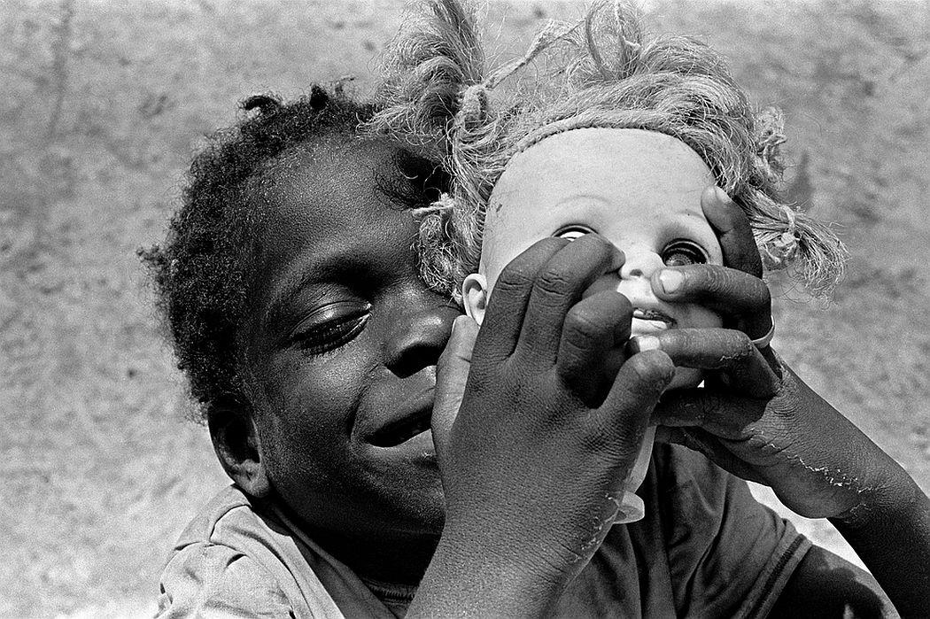 eugene-richards-below-the-line-living-poor-in-america-01