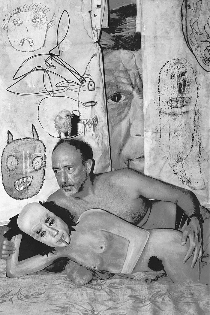 roger-ballen-and-asger-carlsen-no-joke-06
