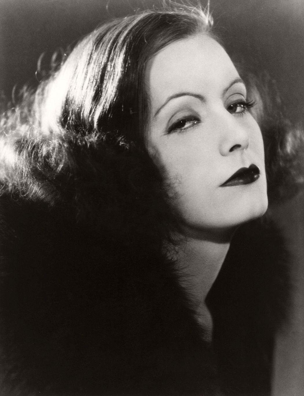vintage-greta-garbo-portraits-1920s-1930s-08