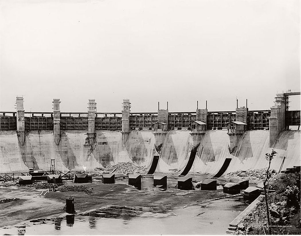 Panama Canal, Gatun Lake spillway, 1914