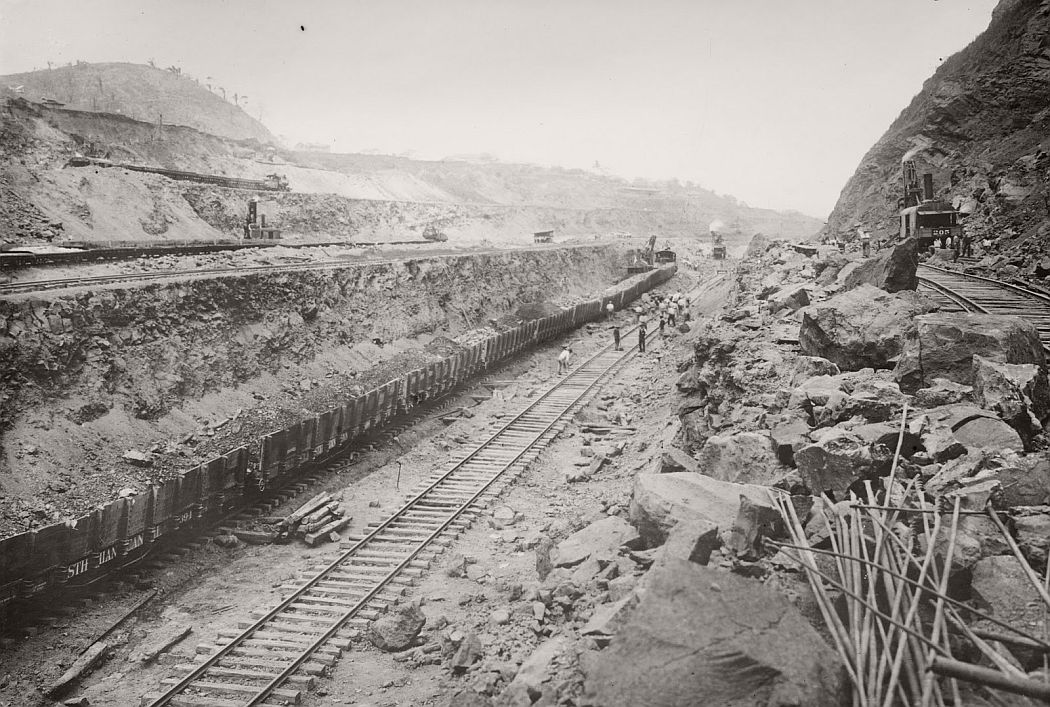 vintage-panama-canal-construction-1904-1914-10