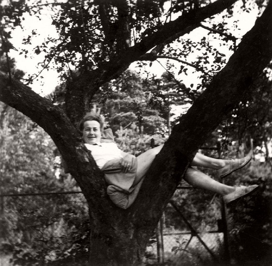 women-in-trees-hatje-cantz-05