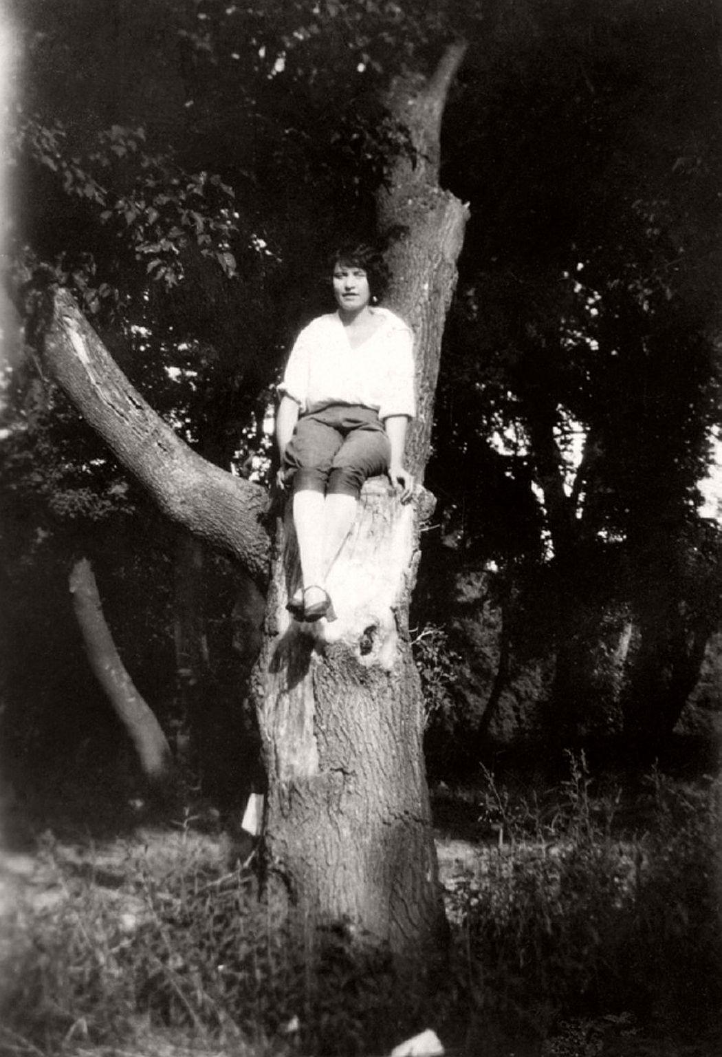 women-in-trees-hatje-cantz-07