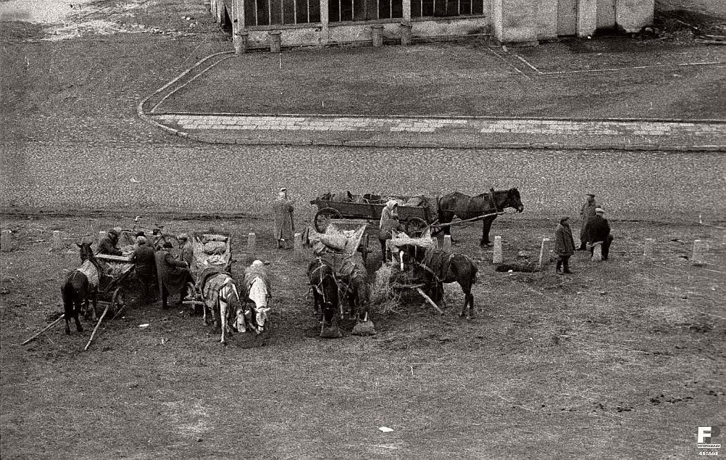 gerlad-howson-vintage-city-life-in-poland-1959-06