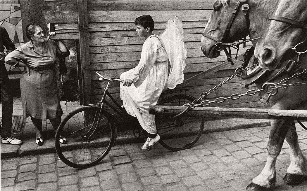 gerlad-howson-vintage-city-life-in-poland-1959-10