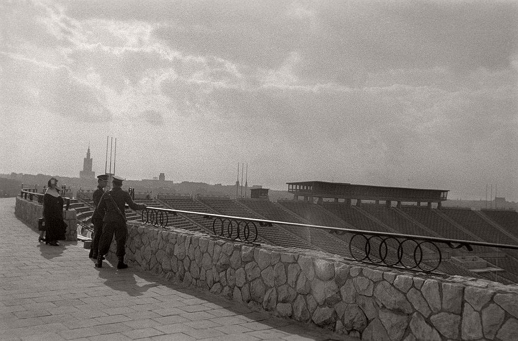 gerlad-howson-vintage-city-life-in-poland-1959-14