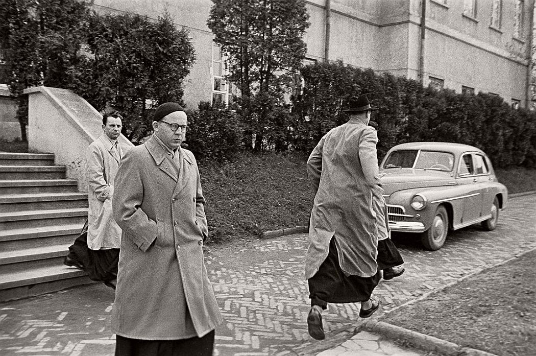 gerlad-howson-vintage-city-life-in-poland-1959-19