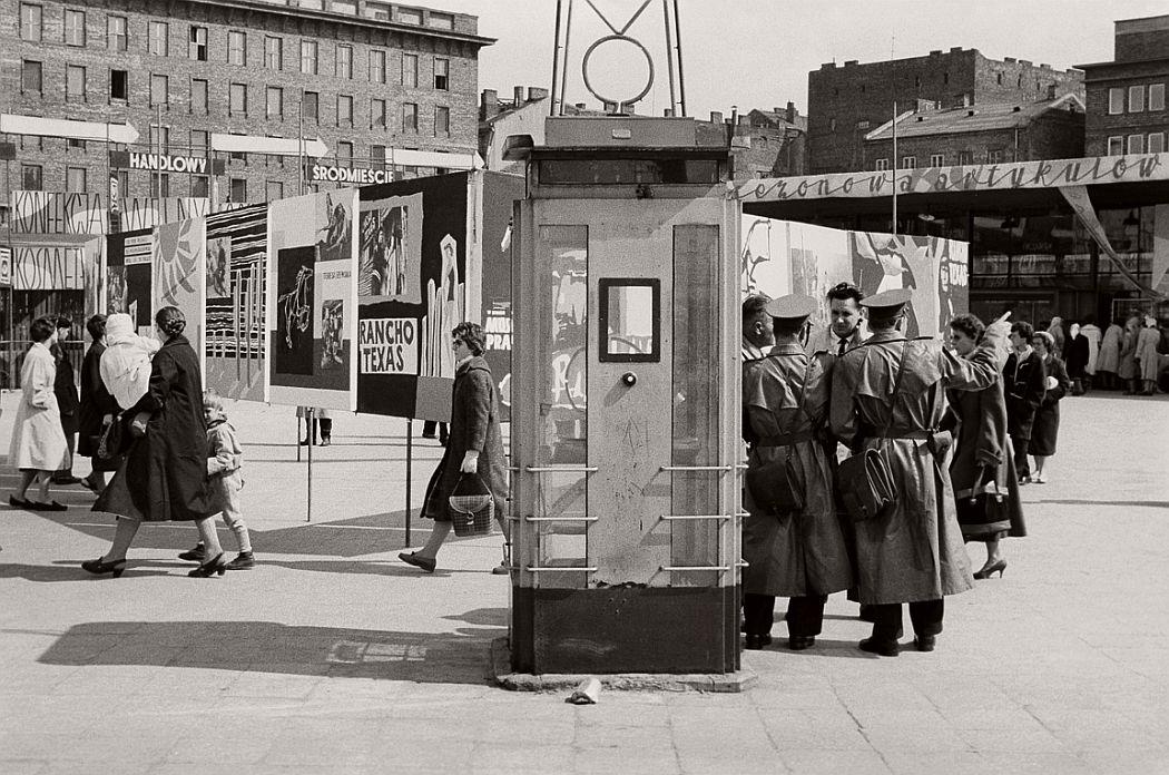 gerlad-howson-vintage-city-life-in-poland-1959-20