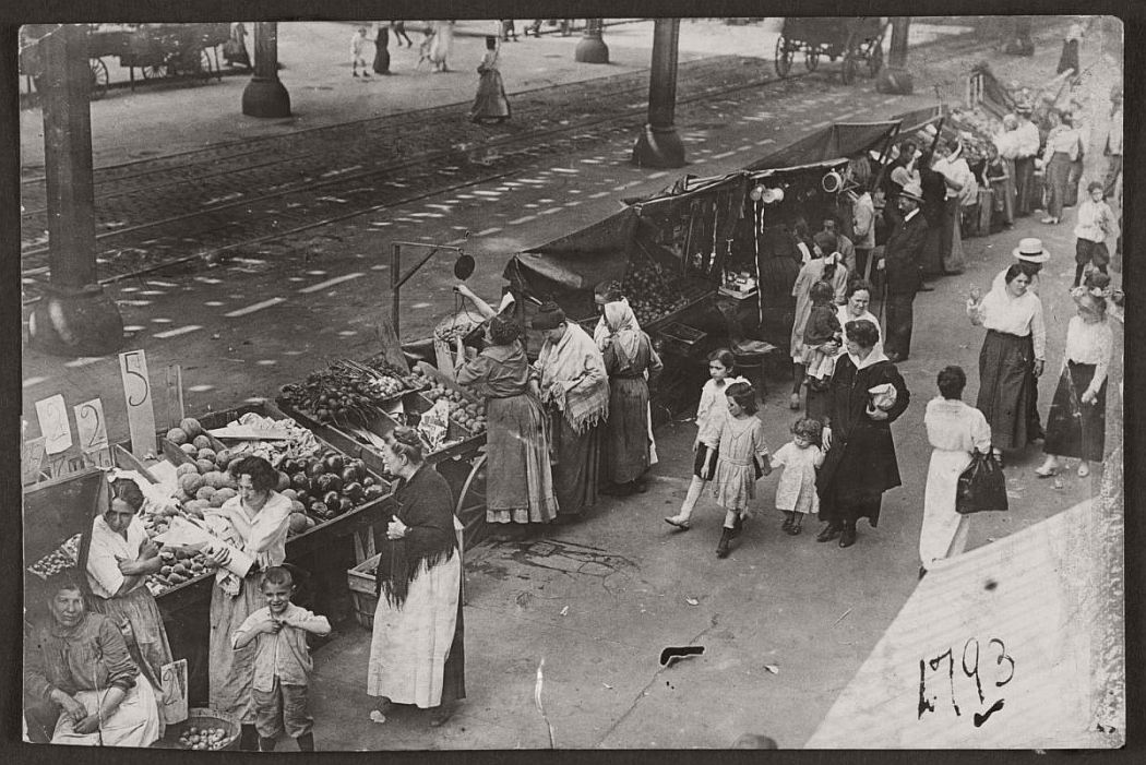 vintage-pushcart-markets-in-new-york-early-20th-century-1900s-02