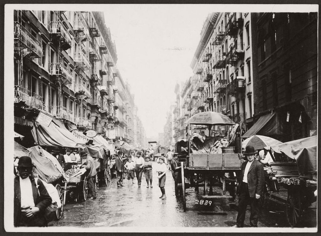 vintage  pushcart markets in new york  early 20th century