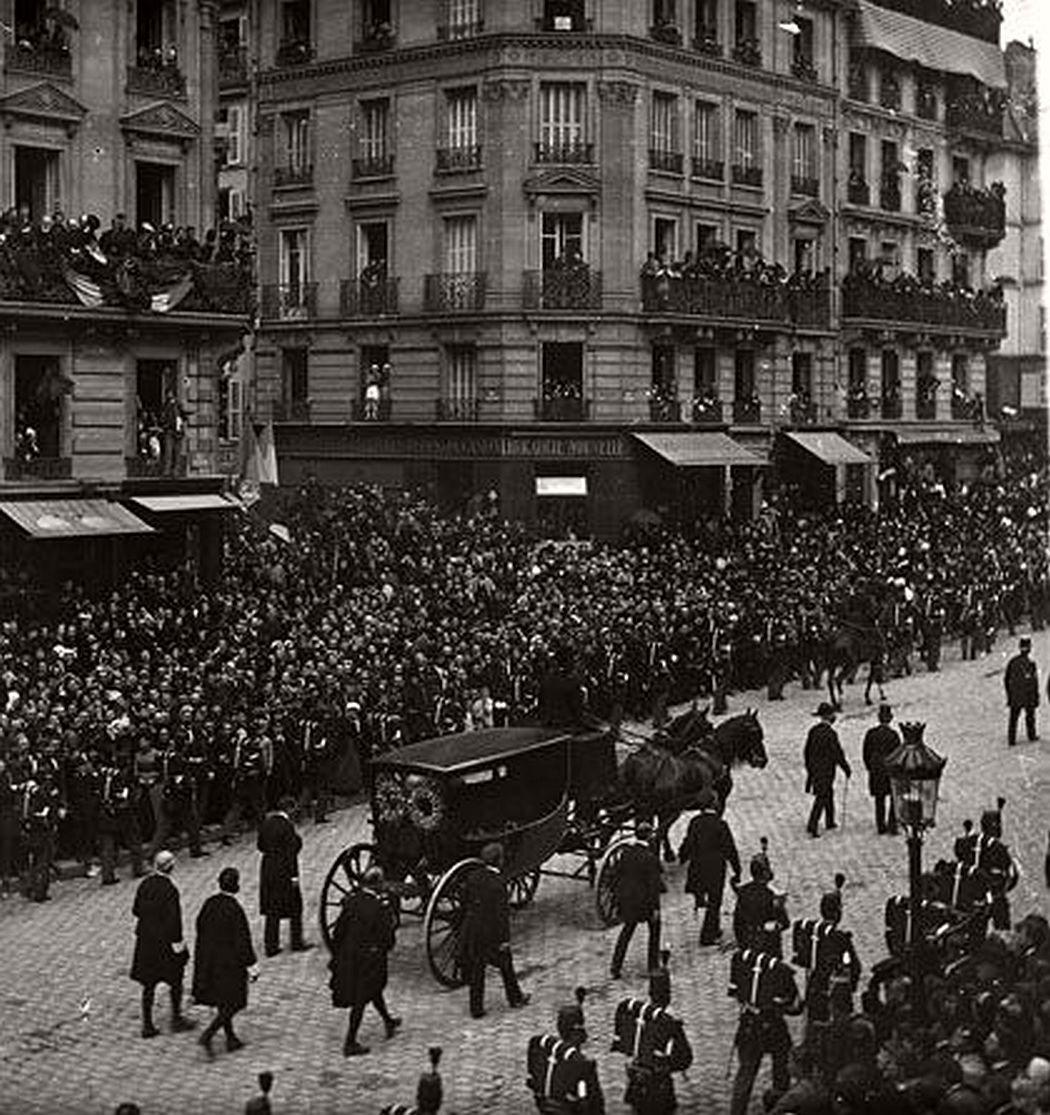 vintage-victor-hugos-funeral-1885-04