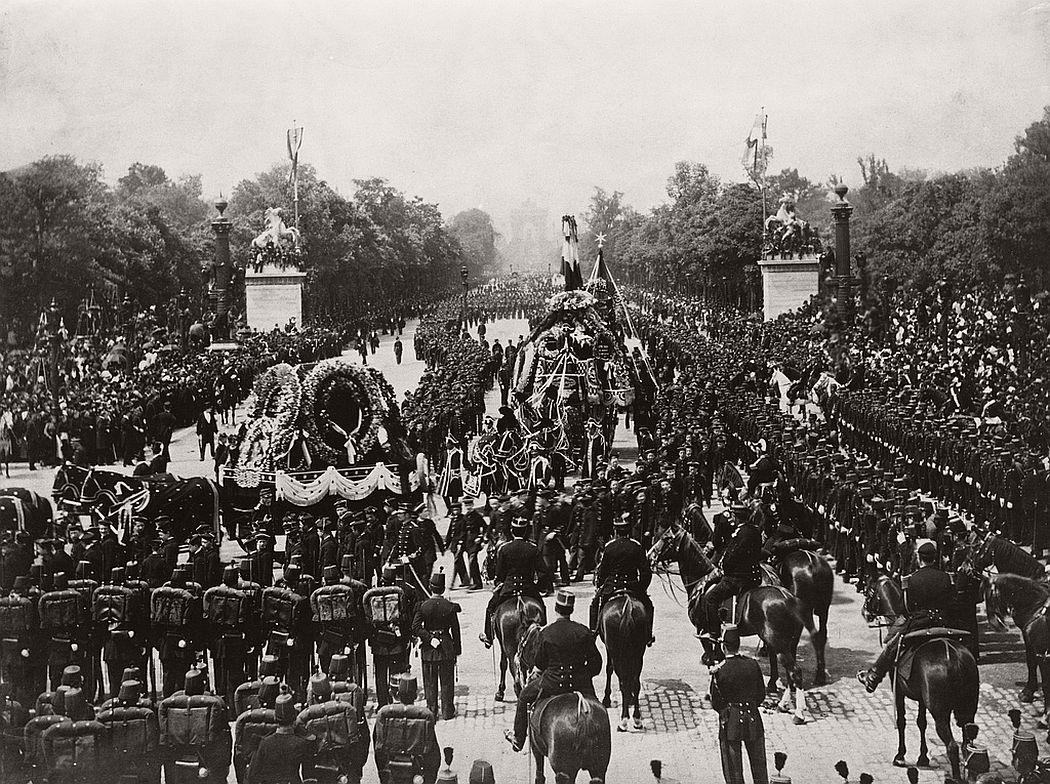 vintage-victor-hugos-funeral-1885-06