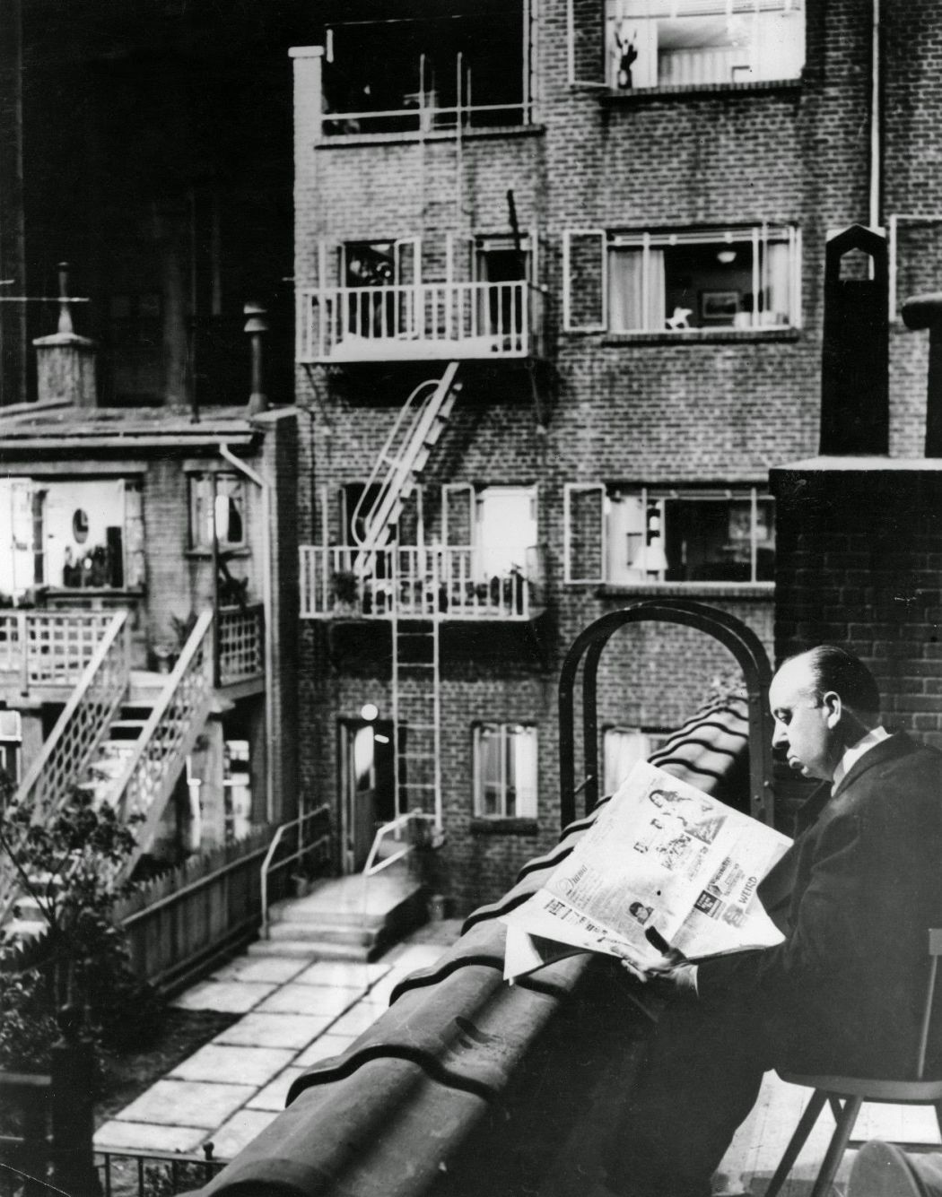 Behind-the-scenes-Rear-Window-1954-90
