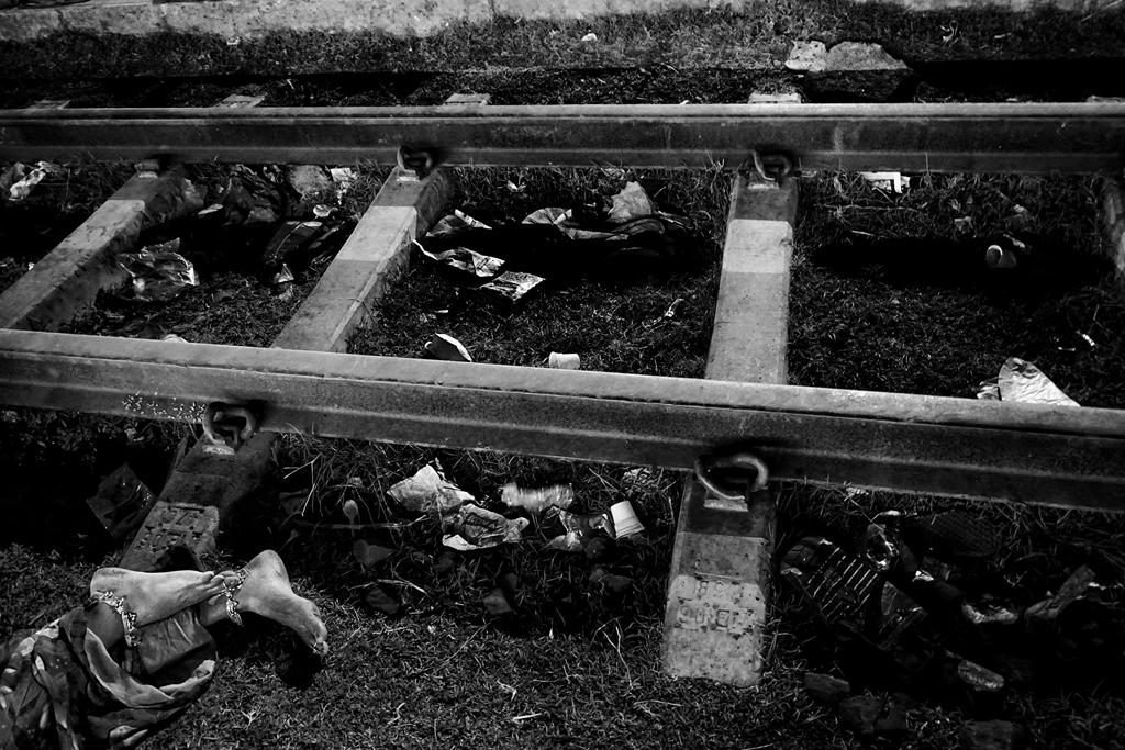 non-professional-special-photojournalism-story-1st-debiprasad-mukherjee-india