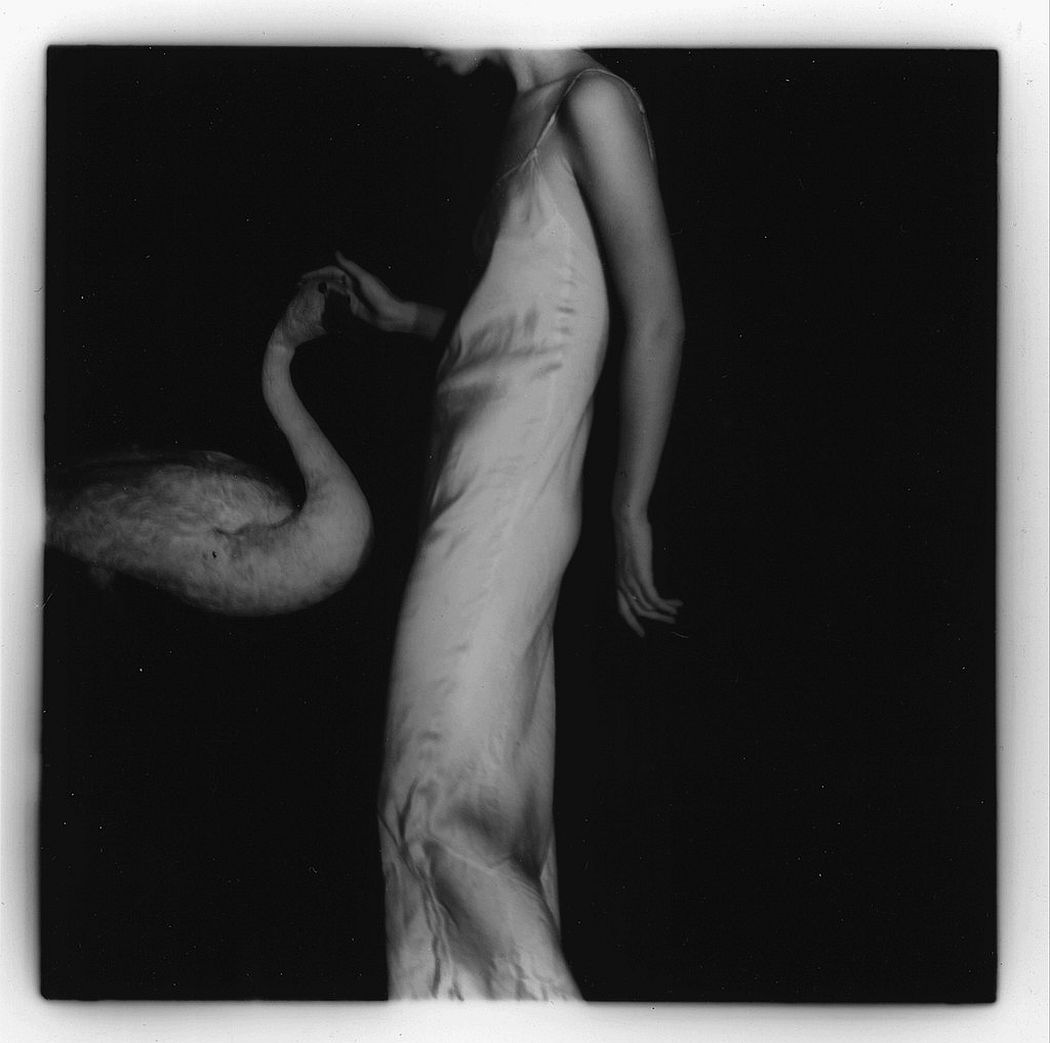 francesca-woodman-surreal-nude-08