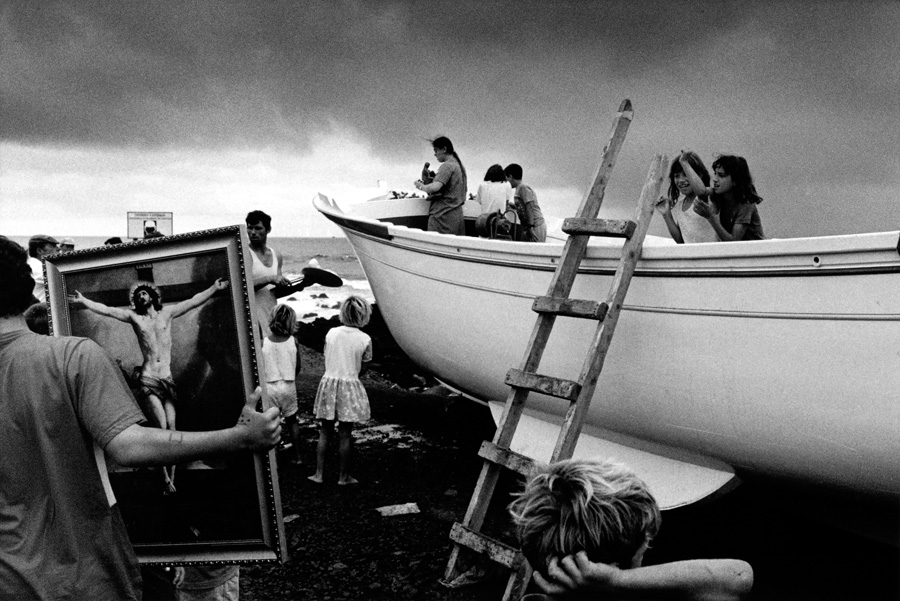 Christening of an artisan fishing boat by Paulo Monteiro (Portugal) – 1st Place Winner – Photojournalism Photographer of the Year 2016