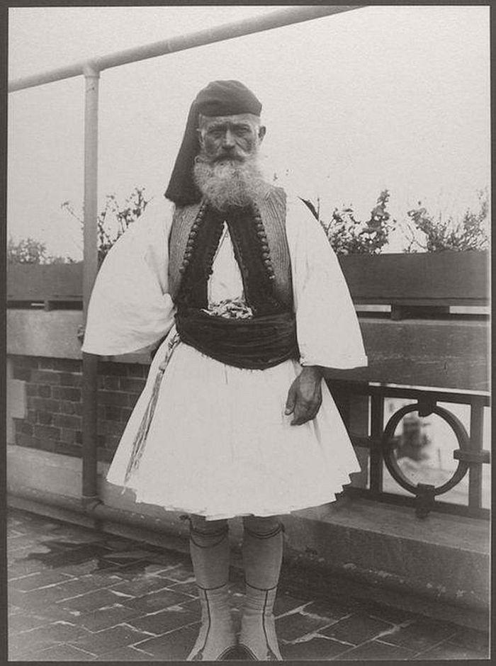 vintage-ellis-island-immigrants-1900-1910s-15