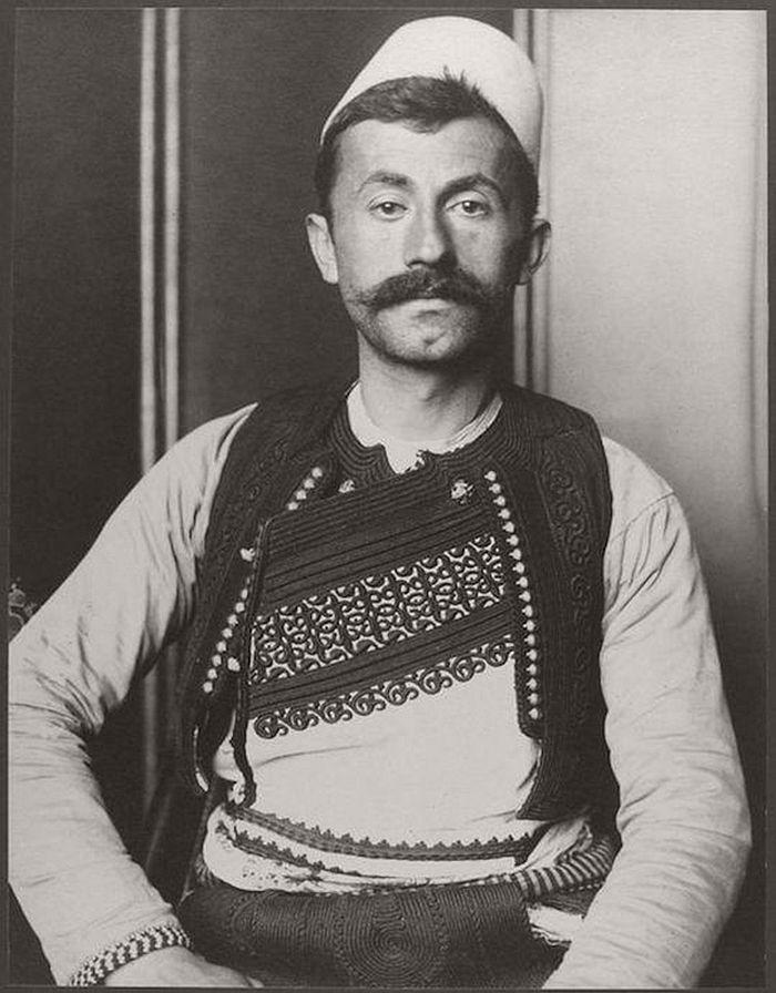 vintage-ellis-island-immigrants-1900-1910s-17