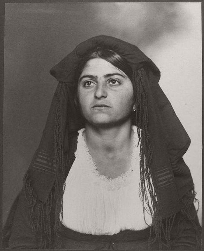 vintage-ellis-island-immigrants-1900-1910s-21
