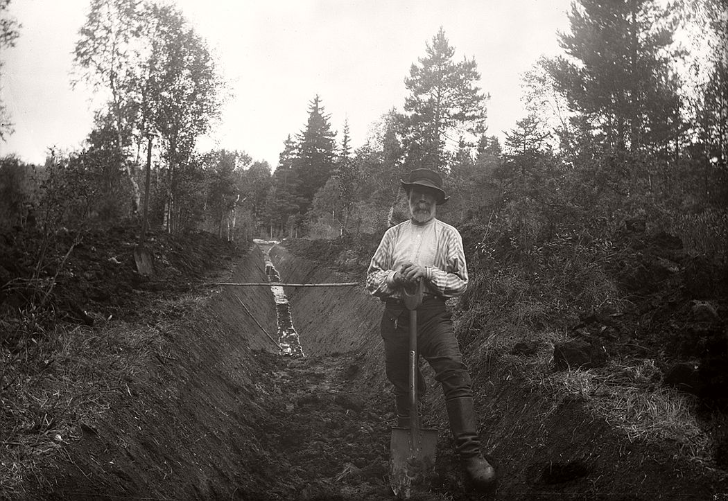 Man with spade.