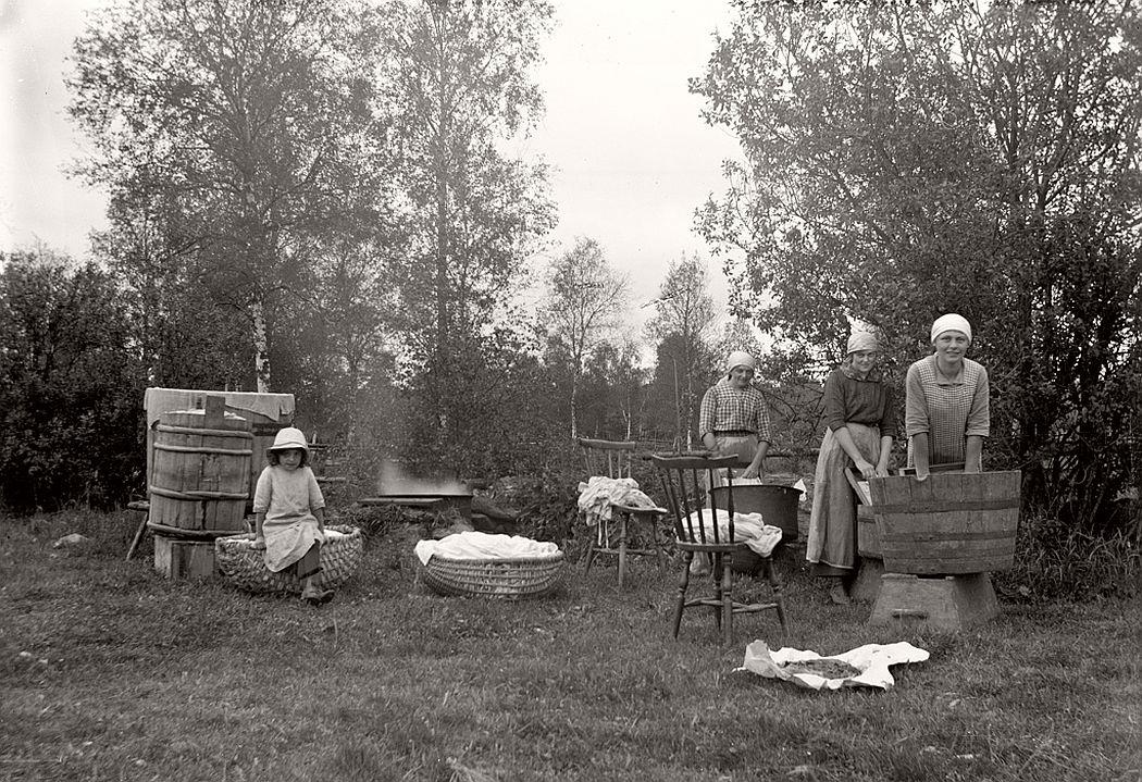 Laundry in Klockare farm pasture in Frinnaryds village.