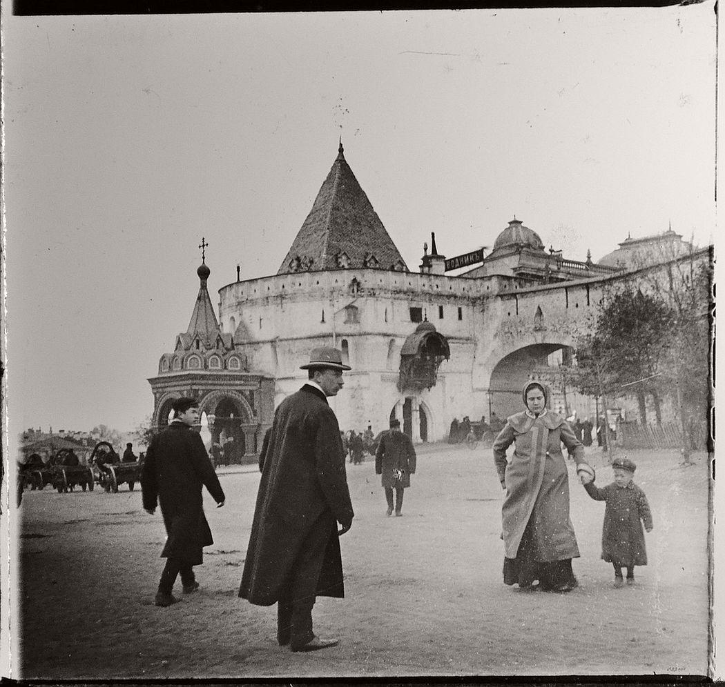 Varvaskaya gate & Marketplace, Moscow, ca. 1910s