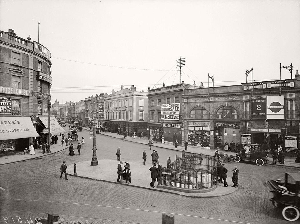 Hammersmith Broadway, 1910.