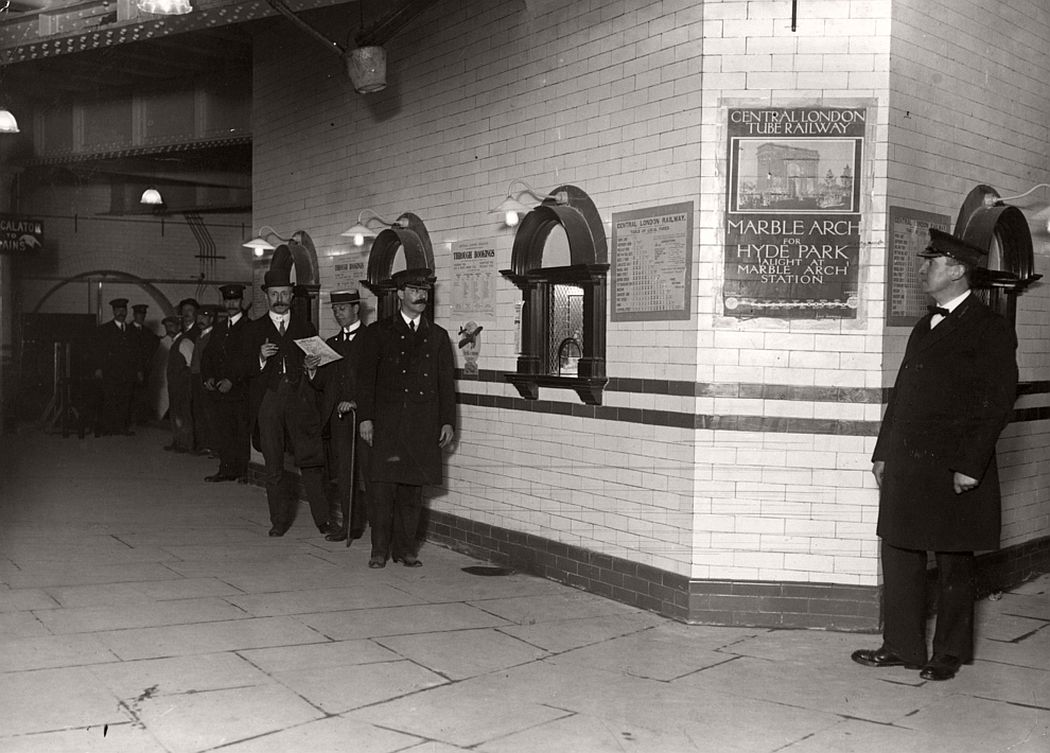 The ticket hall of Liverpool Street Station, 1912.