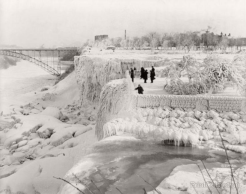 Niagara Falls frozen over, 1933
