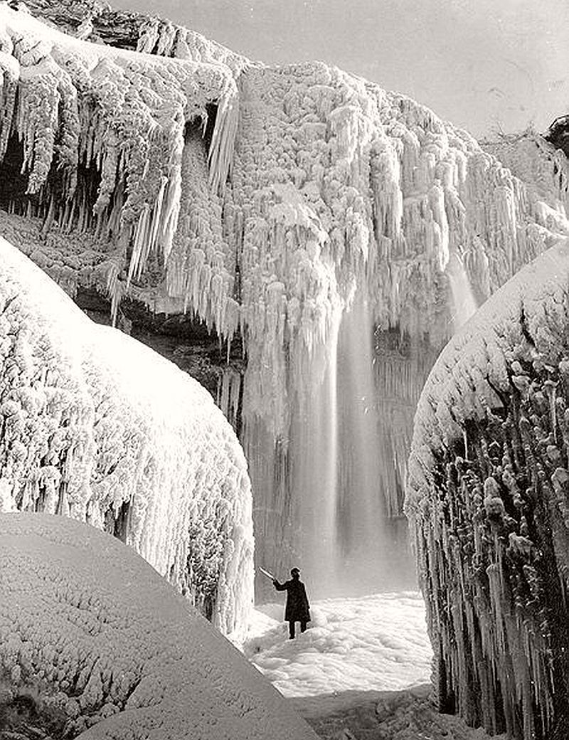 Cave of the Winds in Winter, Niagara Falls, ca. 1900s