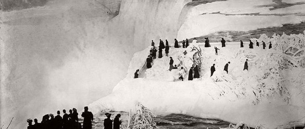 Vintage: Niagara Falls during Winter (19th Century)